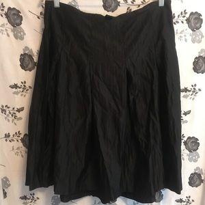 Mossimo black pleated skirt